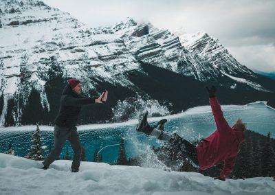 VIU (Kanada) - Friends Fun in the snow